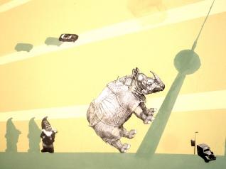 das Nashorn ist sehr leicht ergrimmt - besser wenn man´s milde stimmt