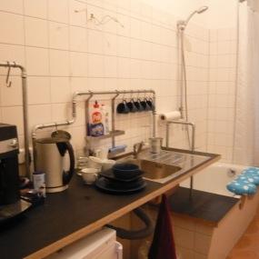 Teeküche im Bad (Auflage: ohne Spuren rückbaubar!)