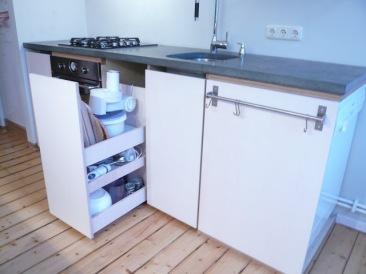 Küche mit Rollwagen
